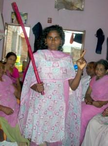 A Gulabi gang member - Deepa Jainani | Panos London