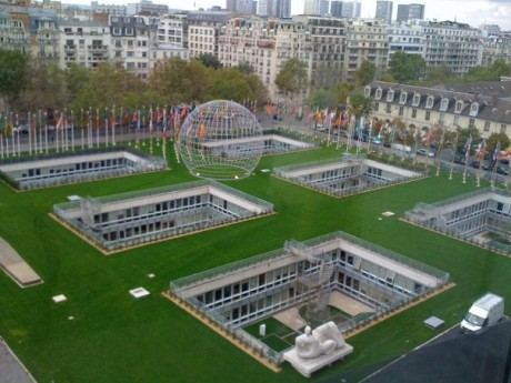 The location of the UNESCO General Conference in Paris - Tim Williams | Panos London
