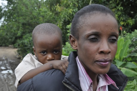 Aliness Munyanta is HIV positive but her daughter is not, thanks to drugs that help prevent mother to child transmission - Richard Mulonga | Panos London