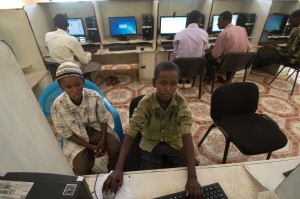 An internet and computer centre run by the Hagadera youth organisation - Piers Benatar | Panos Pictures